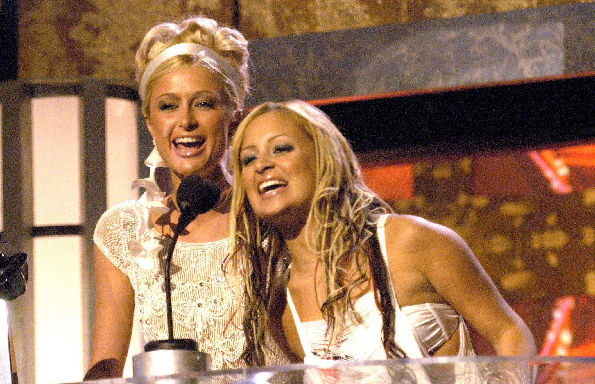 Nicole-Richie-Paris-Hilton