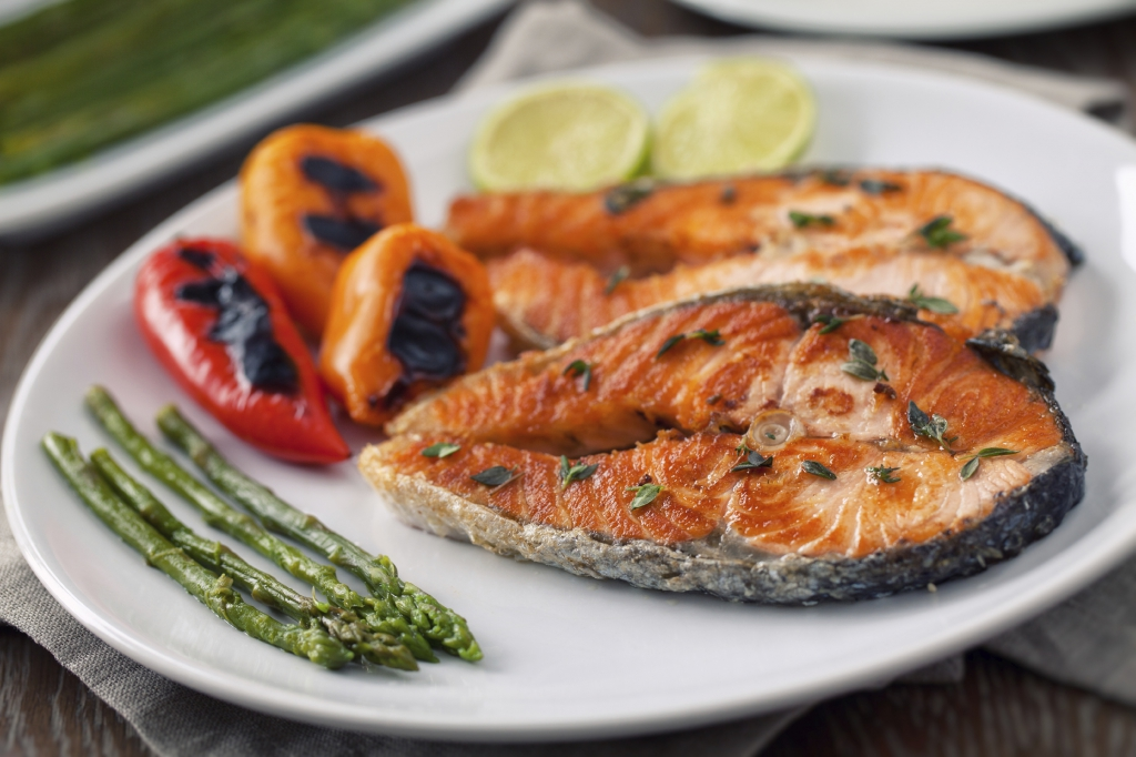 Fillet of salmon with mixed vegetables