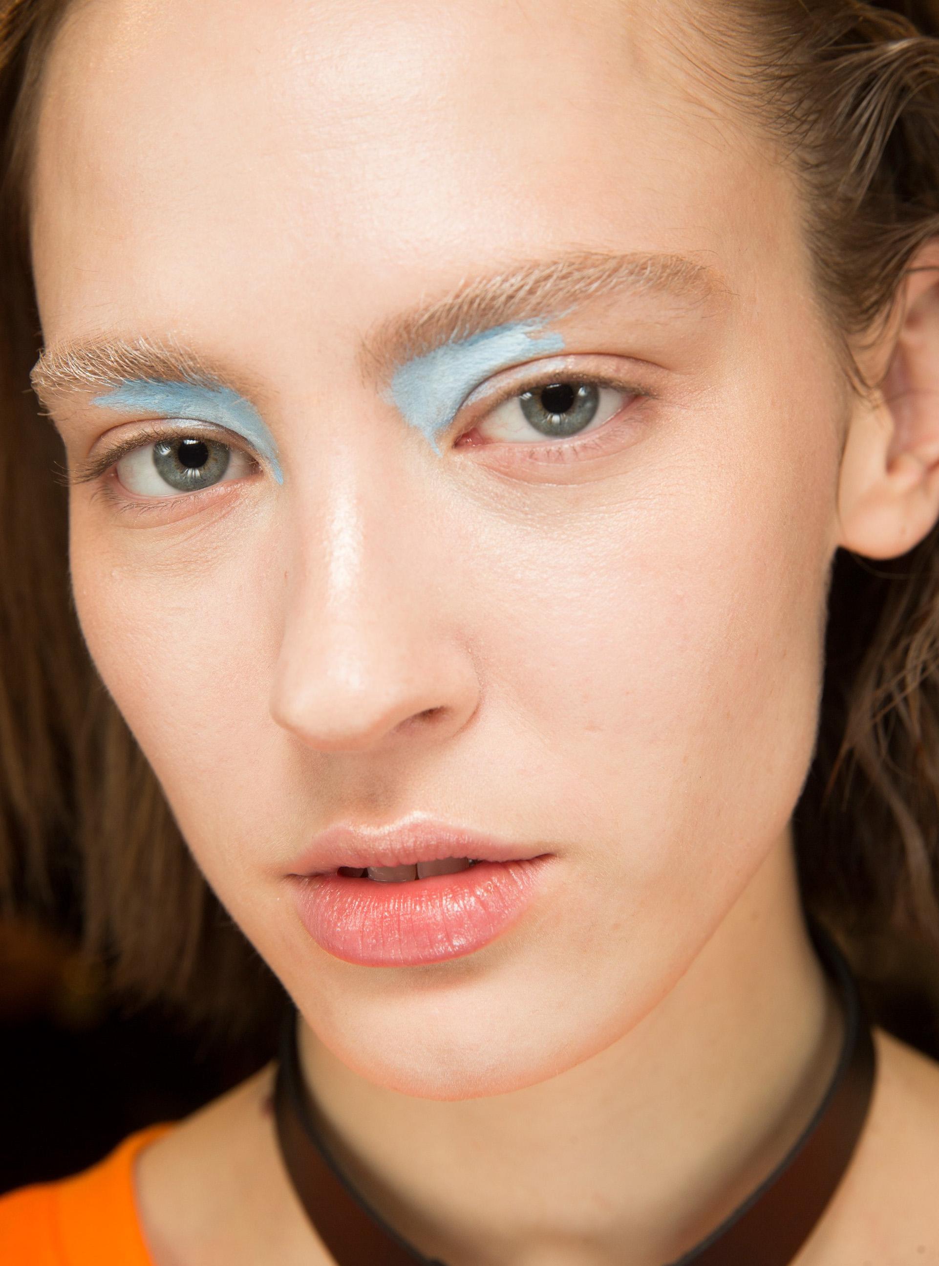 Yazın Sıcaklarına Karşı En İyi Makyaj Önerileri