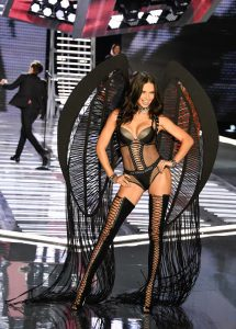 Adriana Lima, Victoria's Secret 2017 defilesi