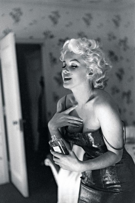 unlu-kadinlarin-favori-parfumleri-marilyn-monroe